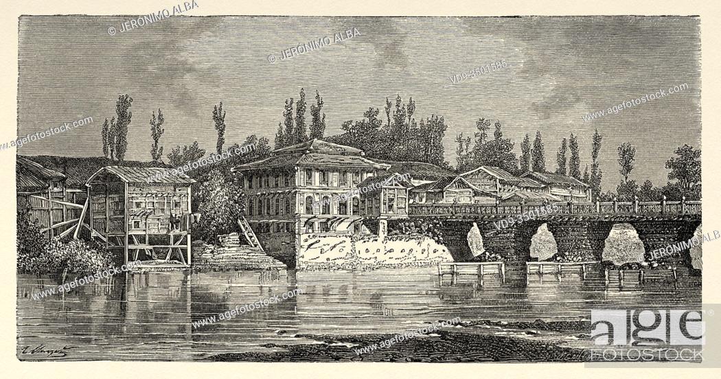 Photo de stock: Srinagar bridge over the Jhelum river. Jammu & Kashmir, India. Trip to Punjab and Kashmir by Guillaume Lejean. Old engraving El Mundo en la Mano 1878.