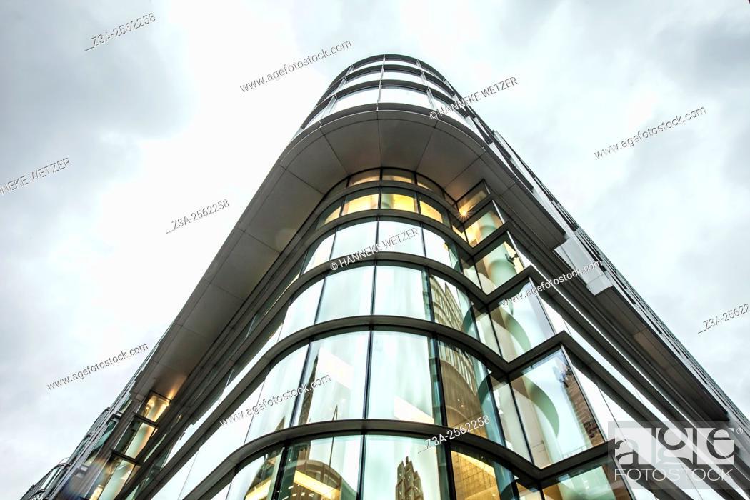 Photo de stock: London Cardinal Place, Palace Street, London, UK.