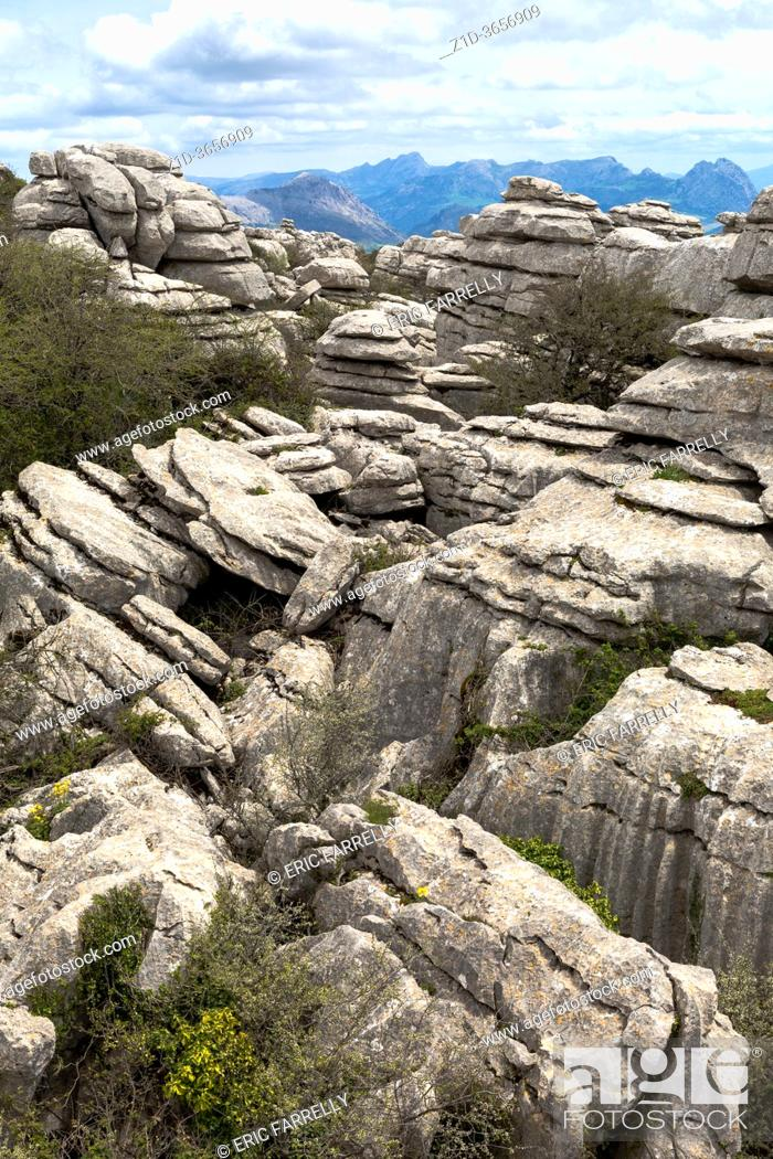 Imagen: Natural Park El Torcal de Antequera and tourists, Malaga province, Andalucia, Andalusia, Andalusian, Spain, Europe.