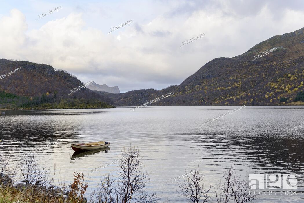 Stock Photo: Ryggedalsvassdraget lake, Langøya island, Archipelago of Vesterålen, county of Nordland, Norway, Europe.