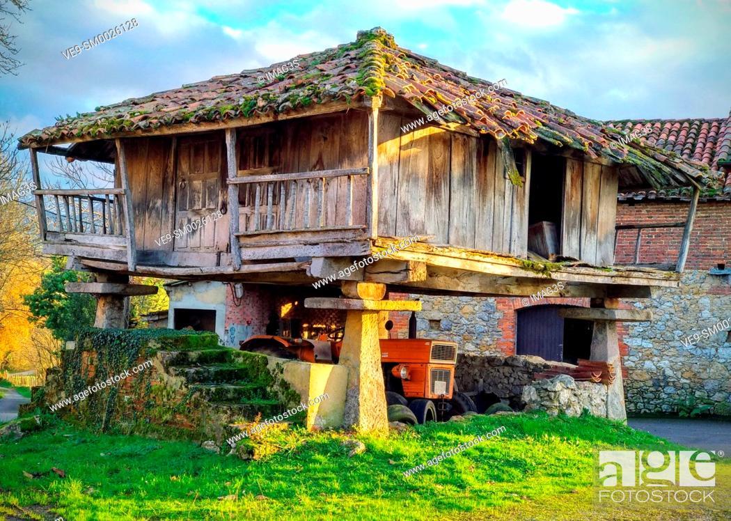 Imagen: Hórreo (typical hut in Asturias) in Nava, Asturias, Spain.