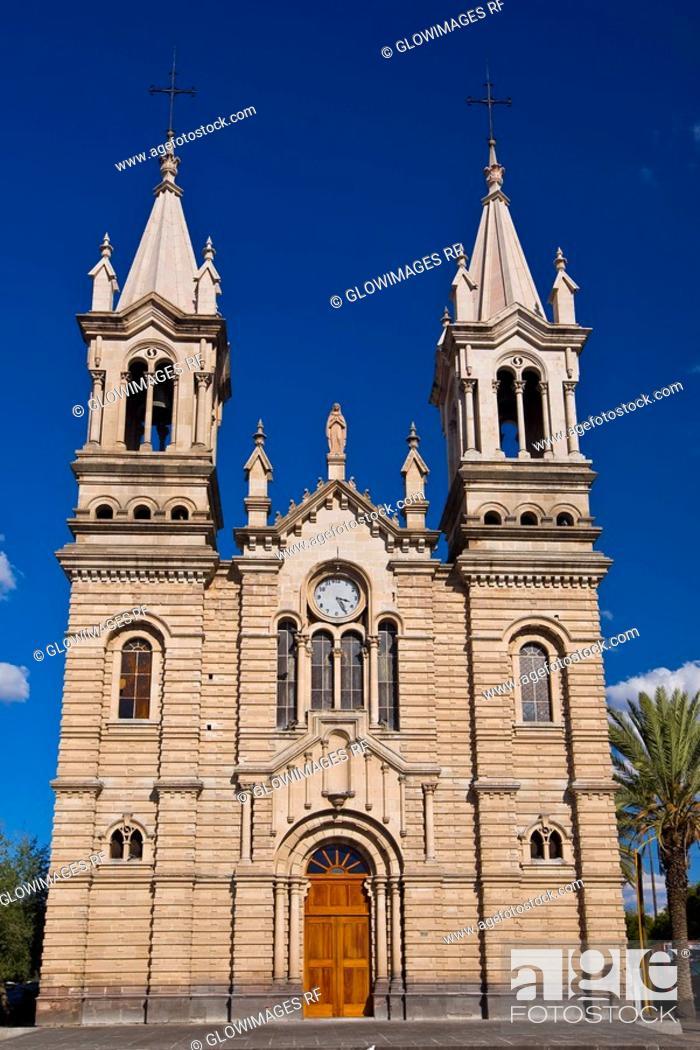 Stock Photo: Facade of a church, Iglesia Purisima Concepcion De Maria, Aguascalientes, Mexico.