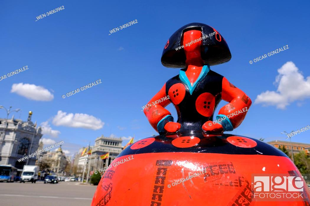 Photo de stock: 80 sculptures have been scattered around the city of Madrid by the Meninas Madrid Gallery Featuring: Atmosphere Where: Madrid.