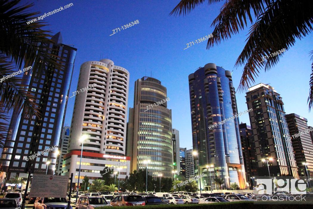 Stock Photo: United Arab Emirates, Abu Dhabi, Corniche Road, skyline,.