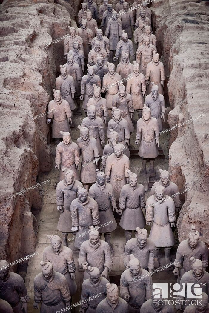Stock Photo: Qin Terracotta Warriors, Terra Cotta Army in a museum in Xi'an, Shaanxi, China 2014.
