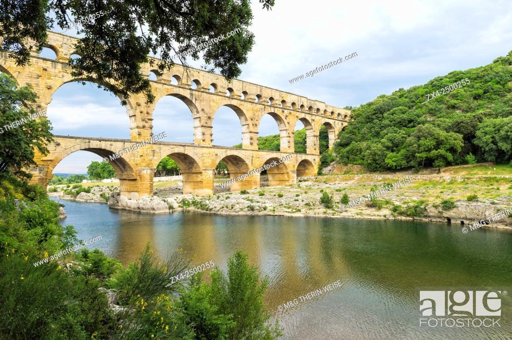 Imagen: Pont du Gard, Languedoc Roussillon region, France, Unesco World Heritage Site.