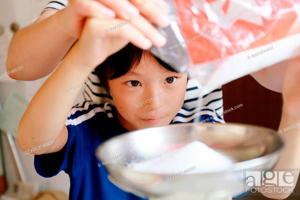 Imagen: Making sweets.