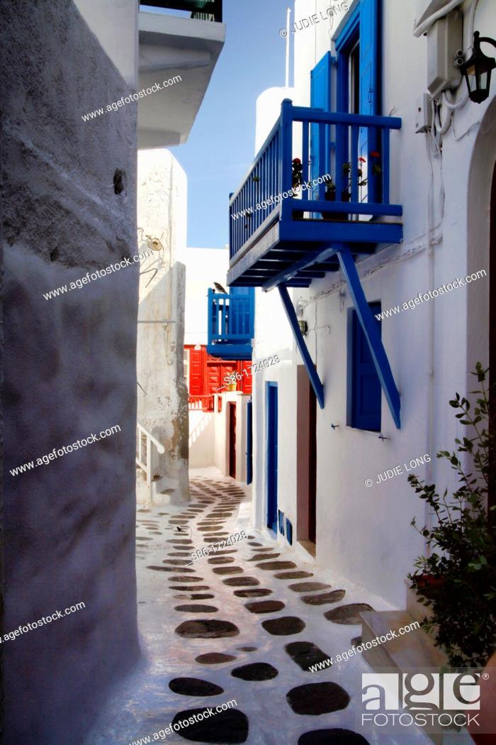 Stock Photo: Narrow Lane, Old Town, Mykonos, Greece Greek Islands.