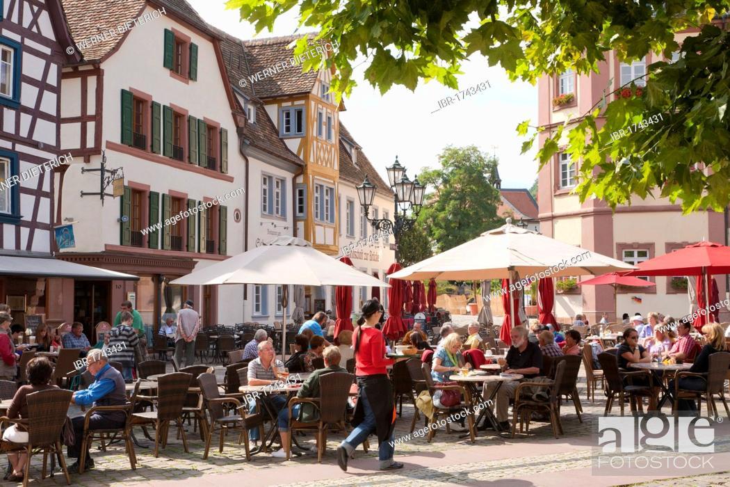 Stock Photo: Cafe, restaurant, people, Marktplatz square, Neustadt an der Weinstrasse, German Wine Route, Palatinate region, Rhineland-Palatinate, Germany, Europe.