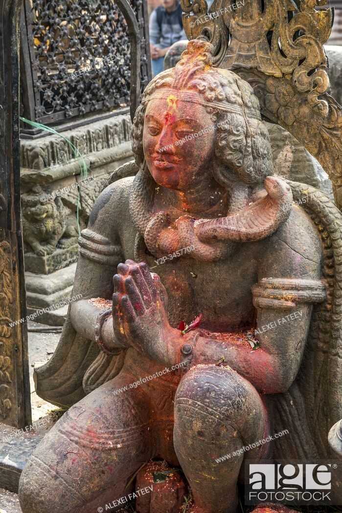 Imagen: Statue of Garuda at Changu Narayan Temple in Kathmandu Valley, Nepal.