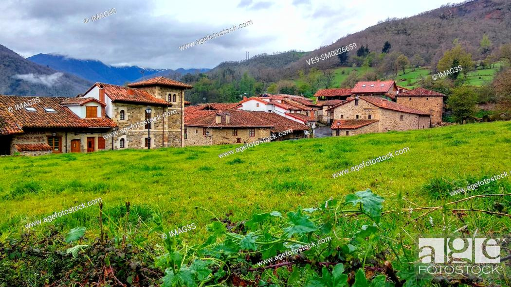 Stock Photo: Mogrovejo villaje, Liébana valley, East massif of Picos de Europa National Park and Biosphere Reserve, Cantabria province, Spain.