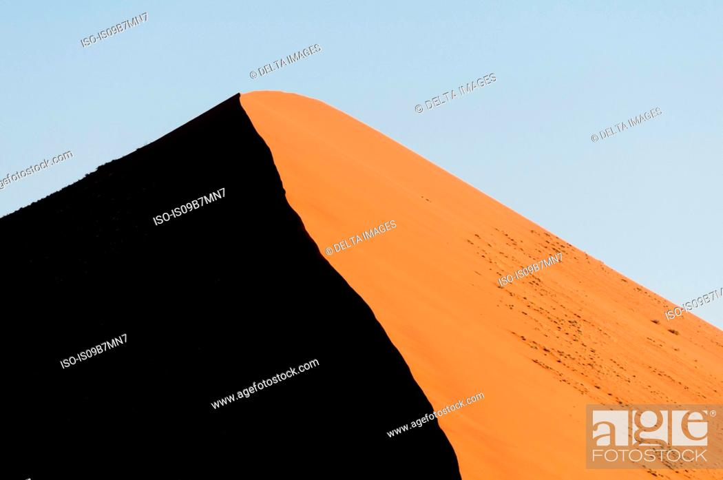 Stock Photo: Sand dune, Sossusvlei, Namib Naukluft Park, Namib Desert, Namibia.