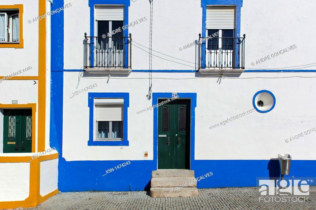Stock Photo: Houses of Arraiolos, Alentejo, Portugal, Europe.
