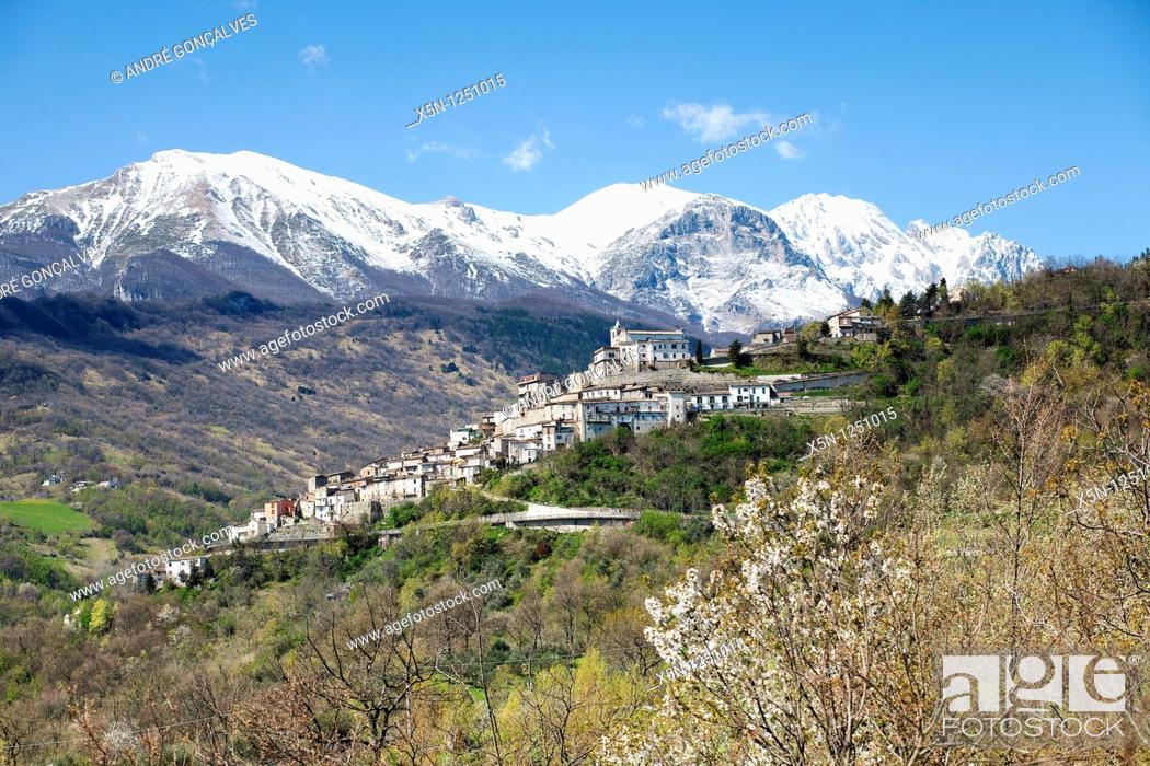 Imagen: Parco Nazionale del Gan Sasso e Monti della Laga, Italy.