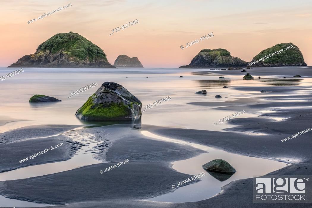 Imagen: Sugar Loaf Islands, New Plymouth, Taranaki, North Island, New Zealand.