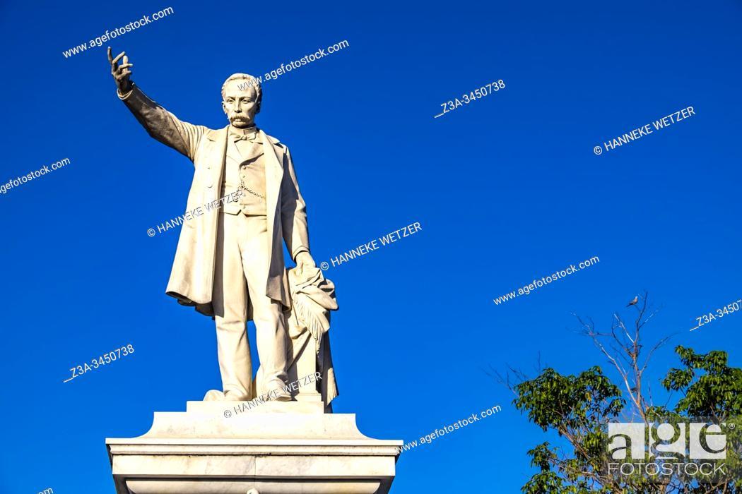 Stock Photo: Jose Marti monument at the Jose Marti Square, Cienfuegos, Republic of Cuba, Caribbean, Central America.