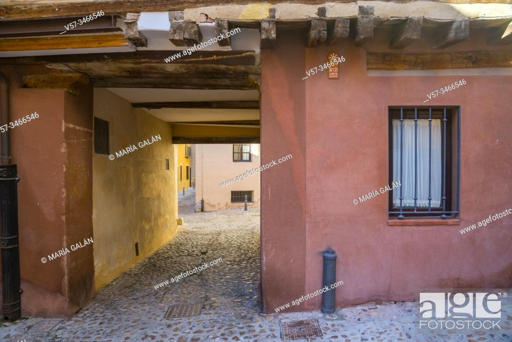Imagen: Passage. Jewish quarter, Segovia, Spain.