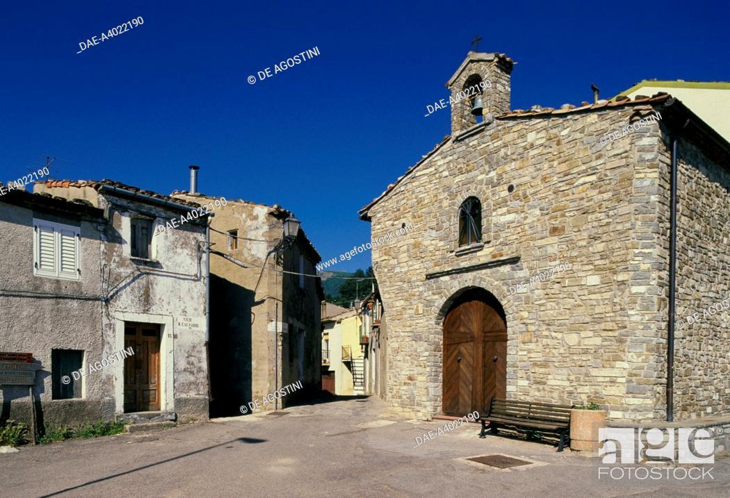 Imagen: The Chapel of San Rocco, built with local stones, Alessandria del Carretto, Calabria, Italy.