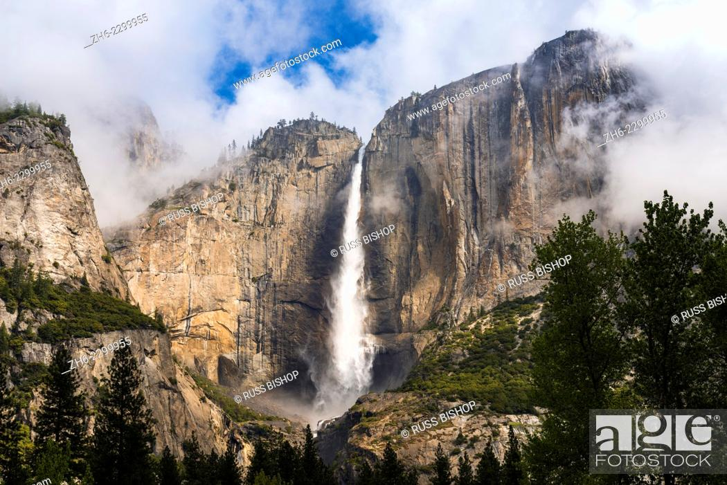 Photo de stock: Yosemite Fall, Yosemite National Park, California USA.