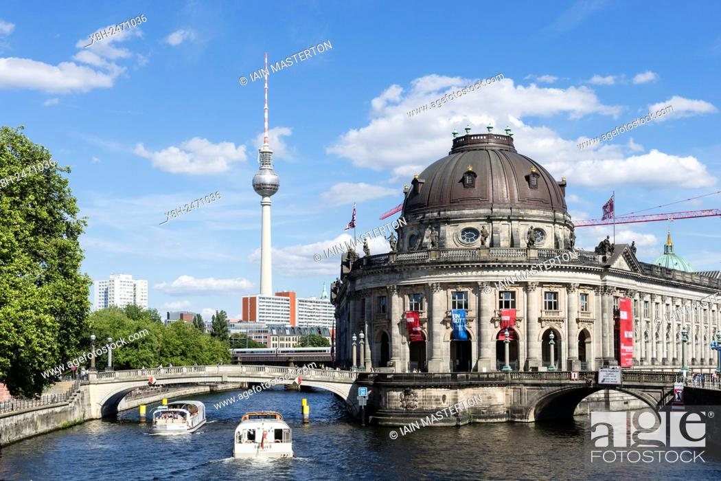 Imagen: View of Bode Museum and Television Tower or Fernsehturm in Berlin Germany.