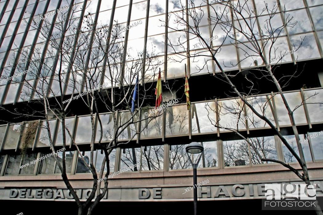 Photo de stock: Tax office building in the square Letamendi.