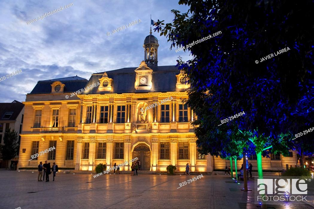 Stock Photo: Hotel de Ville, Place Alexandre Israël, Troyes, Champagne-Ardenne Region, Aube Department, France, Europe.