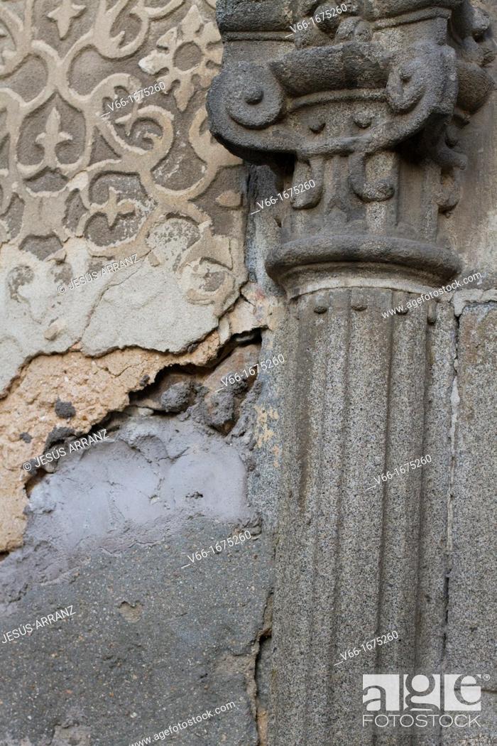 Imagen: Detail of wall in the Plaza de San Martin, Segovia, Castilla-Leon, Spain.