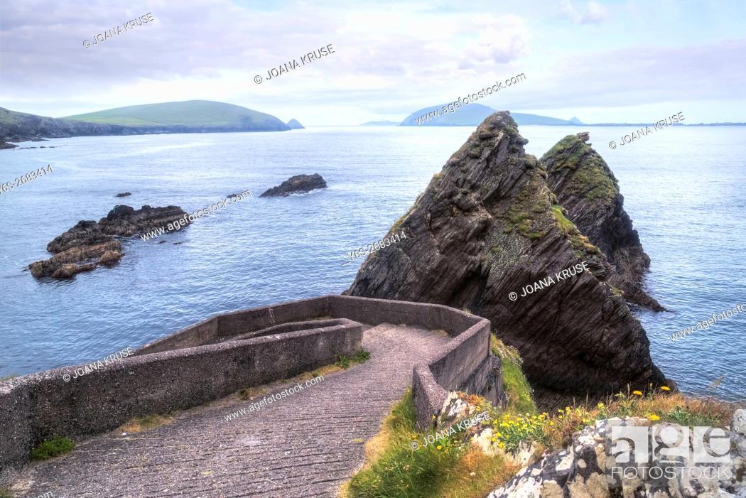 Stock Photo: Dunquin, Dingle Peninsula, County Kerry, Ireland.