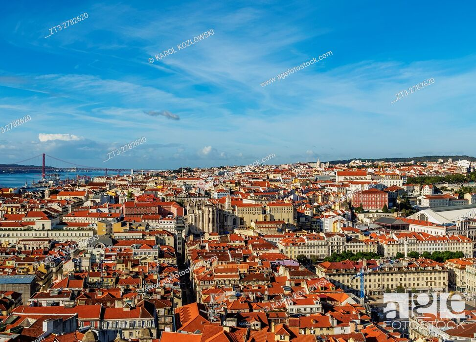 Imagen: Portugal, Lisbon, Cityscape viewed from the Sao Jorge Castle.