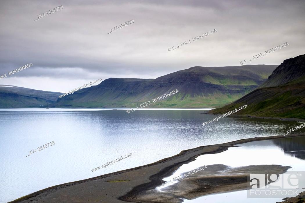 Stock Photo: Snæfellsnesvegur, Fjord, West Iceland.