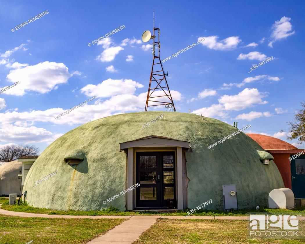 Stock Photo: A dome home located at the Monolithic Dome Institute in Italy, Texas.