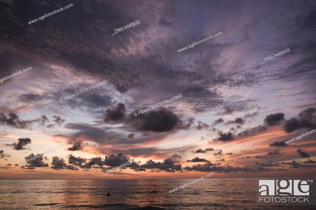 Stock Photo: Ethereal sunset over the warm waters of the Pacific. San Pancho, Nayarit. Mexico.