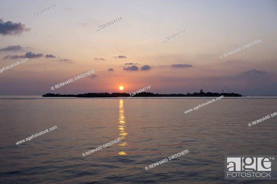 Stock Photo: Sunset at South Male Atoll, South Male Atoll, Indian Ocean, Maldives.
