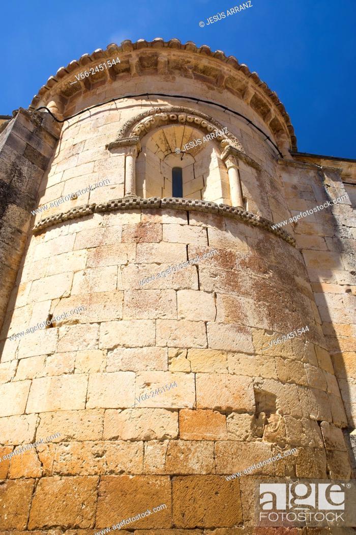 Imagen: Romanesque church, 12th Century, Perazancas de Ojeda, Palencia, Spain.