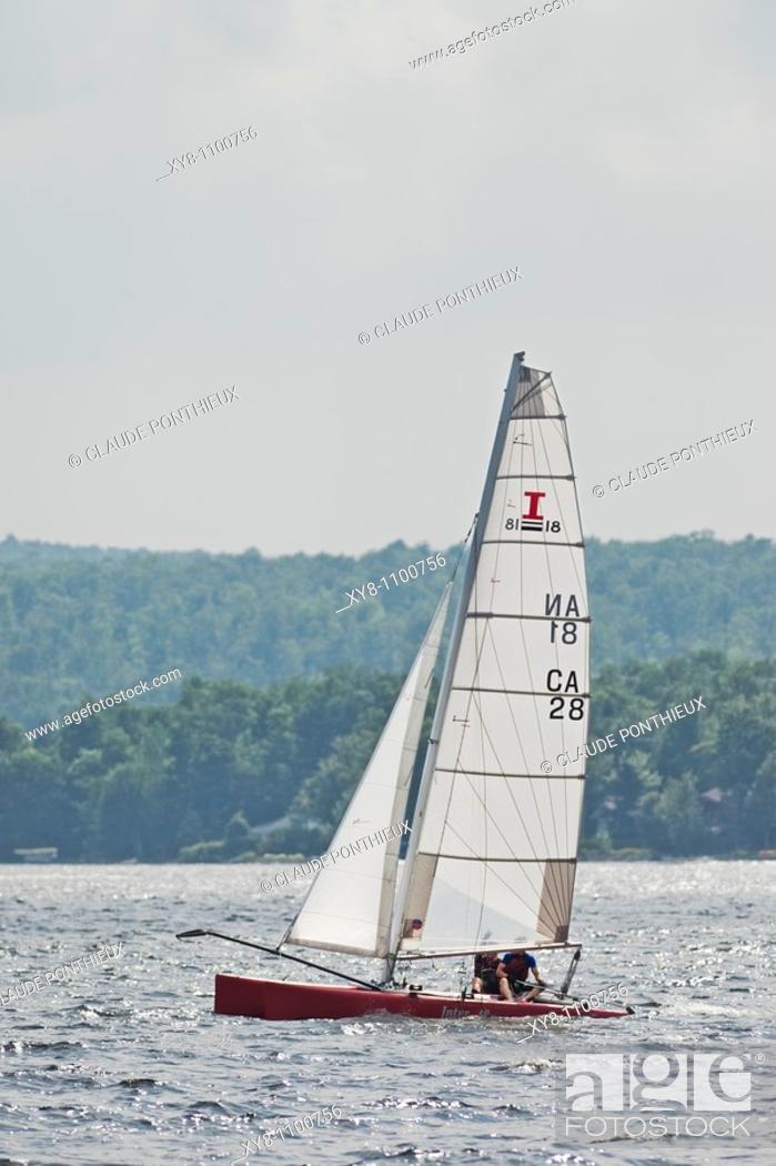 Stock Photo: Sailboat, Brompton-Lake, Québec, Canada.