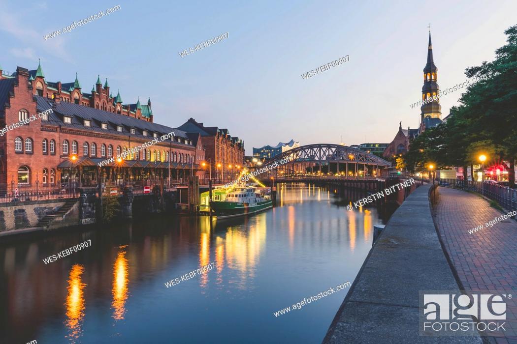 Stock Photo: Germany, Hamburg, Zollkanal, Elbe Philharmonic Hall and.