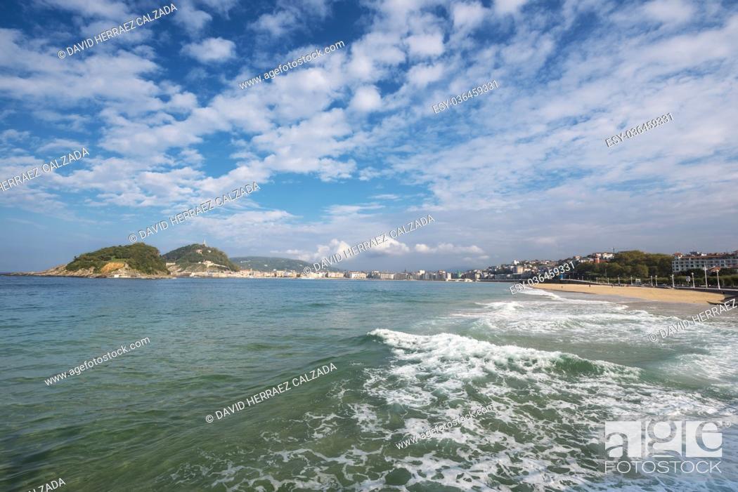 Stock Photo: San Sebastian bay, basque country, Spain.