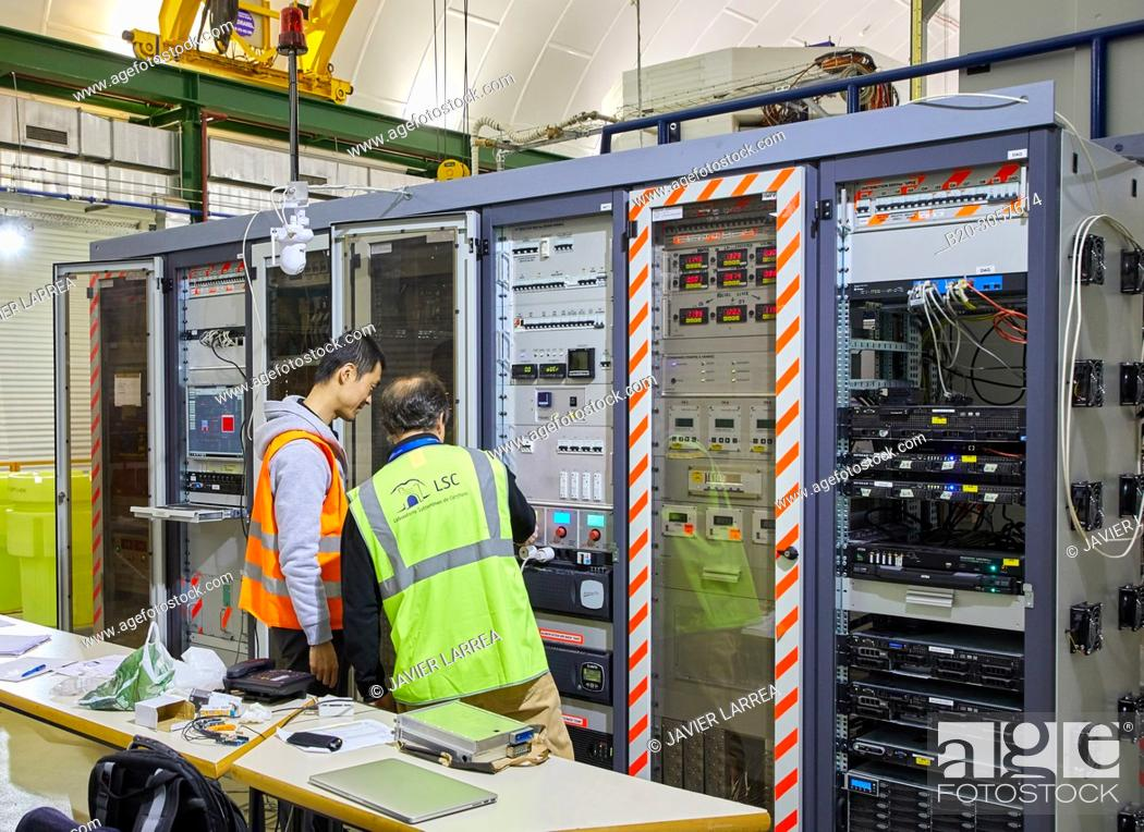 Stock Photo: ArDM, Collaboration between the ETH Zurich, Zurich University, University of Granada, CIEMAT, and CERN..Particle physics experiment based on a ton scale liquid.