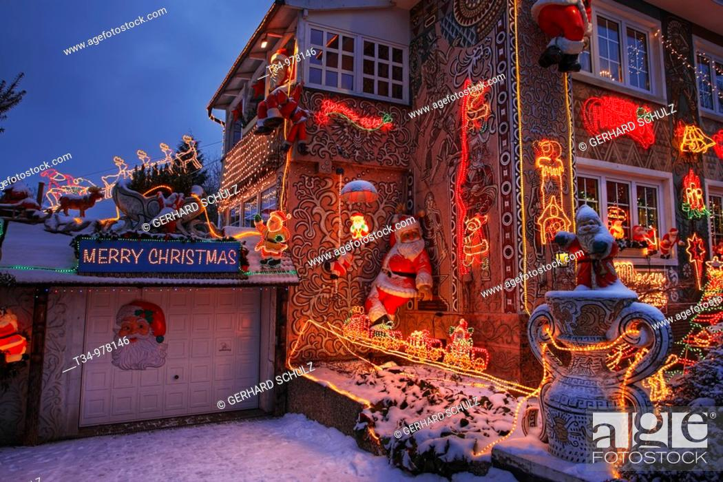 Haus Weihnachtsbeleuchtung.Haus Mit Weihnachtsbeleuchtung In Hamburg Deutschland