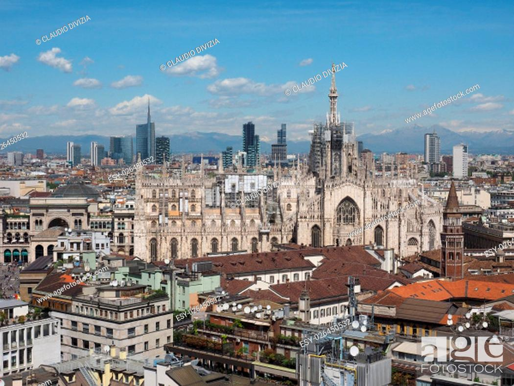 Photo de stock: Aerial view of the skyline of the city of Milan, Italy.
