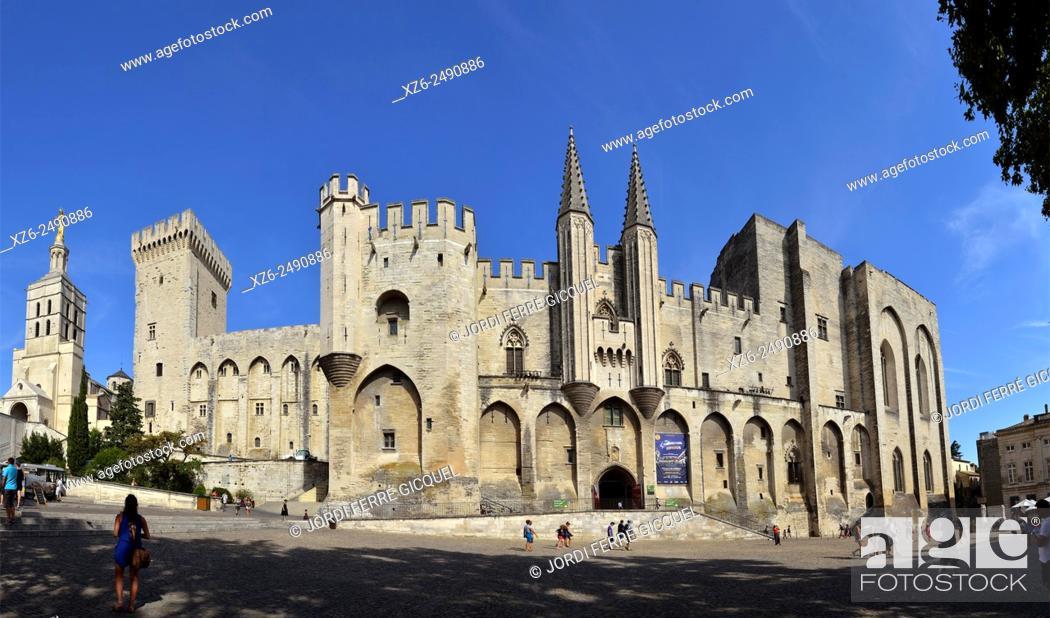 Stock Photo: Palais des Papes, Palace of the Popes, Avignon, Vaucluse, 84, Provence-Alpes-Côte d'Azur, France, Europe.