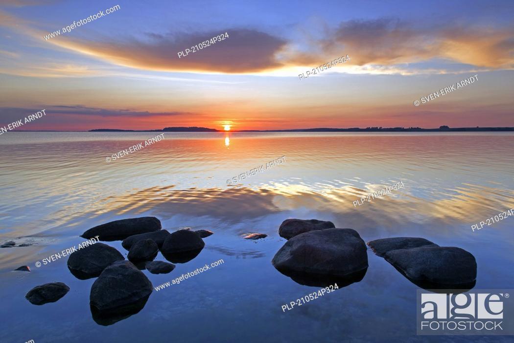 Stock Photo: Sunset over the Baltic Sea from the Pomeranian island Rügen / Ruegen, Mecklenburg-Vorpommern / Mecklenburg Western Pomerania, Germany.