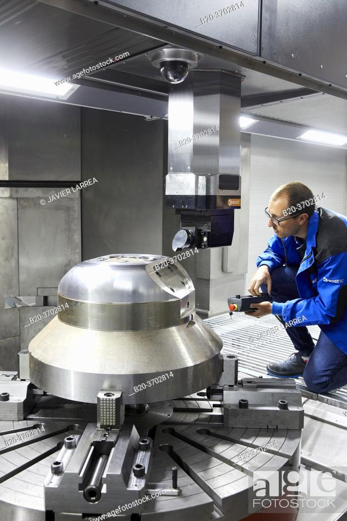 Imagen: Construction of machine tools, machining centre, CNC, Vertical turning and Milling lathe, Metal industry, Gipuzkoa, Basque Country, Spain, Europe.