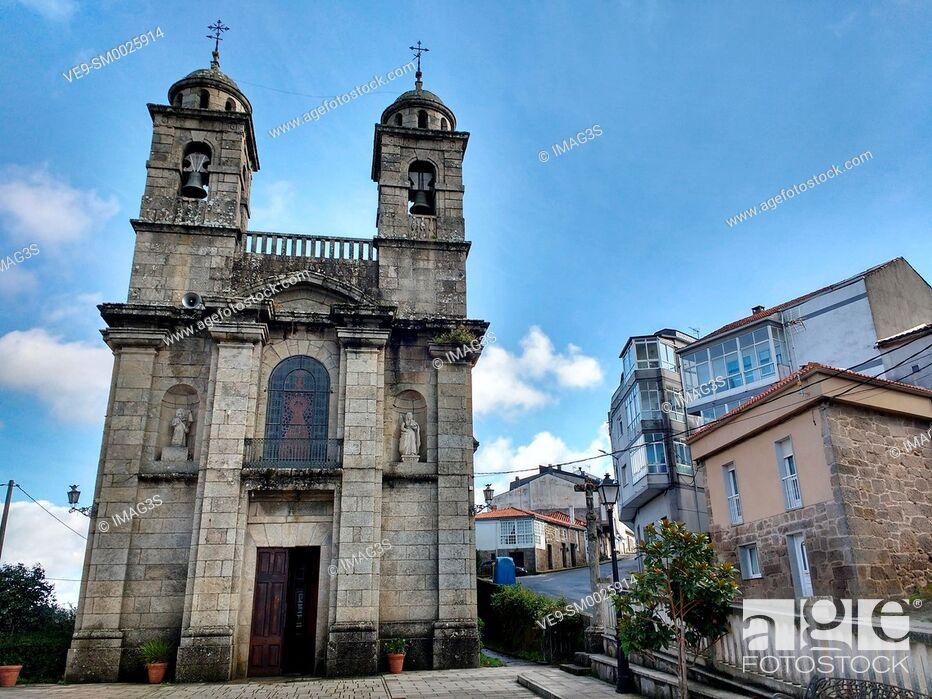 Imagen: Church of Santa Isabel in Castro Caldelas, Orense province, Ribeira Sacra, Galicia, Spain.