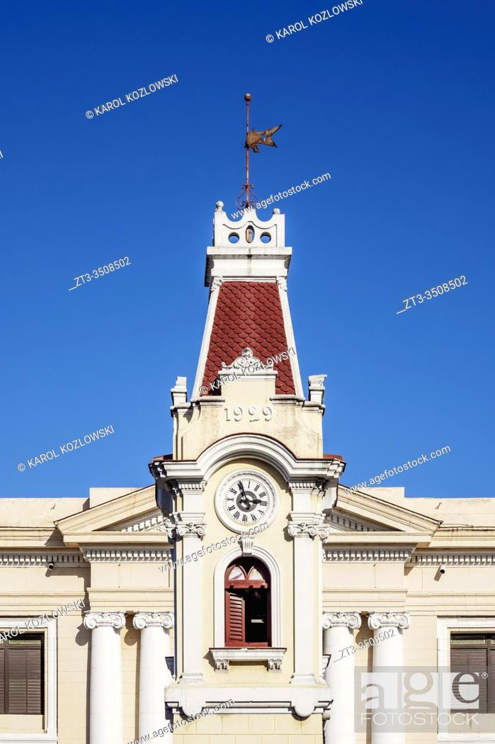 Imagen: Clock Tower and Aduana Building, Port of Santiago de Cuba, Santiago de Cuba Province, Cuba.