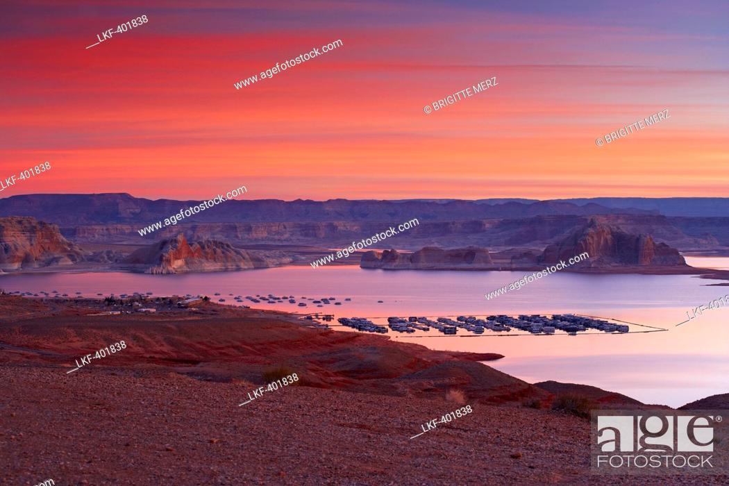 Stock Photo: Lake Powell, Wahweap Bay and Wahweap Marina in the morning, Glen Canyon National Recreation Area, Arizona and Utah, USA, America.