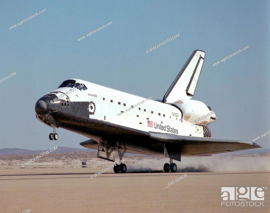Stock Photo: NASA's Space Shuttle Atlantis touched down on the lakebed runway at Edwards Air Force Base in California's Mojave Desert Tuesday, 3 December 1985 at 1:33:49 p.
