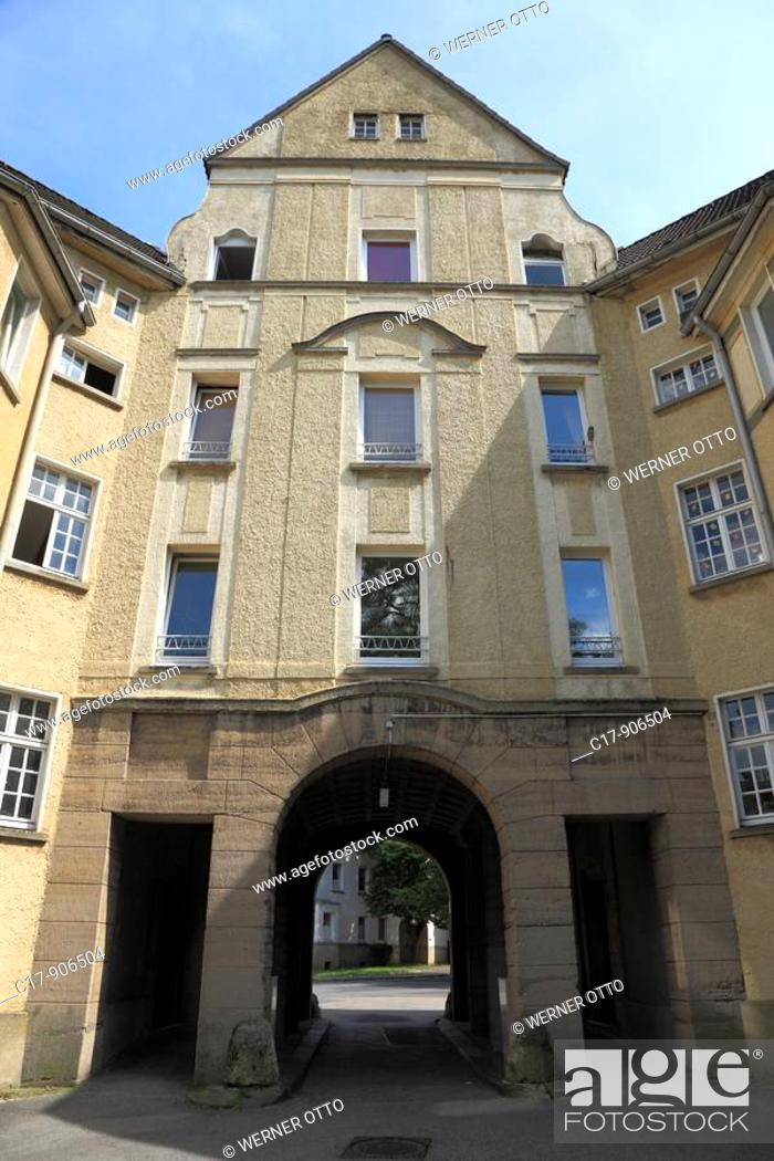 Stock Photo: Germany, Essen, Ruhr area, North Rhine-Westphalia, Essen-Holsterhausen, Friedrich Alfred Krupp, workmens dwellings, working-class housing estate.