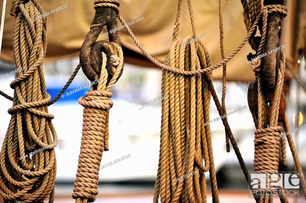 Stock Photo: Details of the Cabos used in a sailboat.
