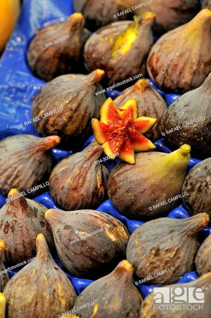 Stock Photo: Figs for sale. La Boqueria market, Barcelona, Catalonia, Spain.